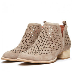 Jeffrey Campbell Tagloni Booties Tan Size 10